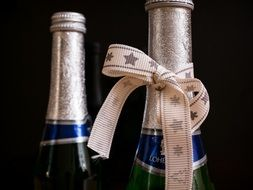 Piccolo champagne with gold ribbon