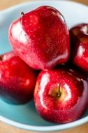 red glossy apples