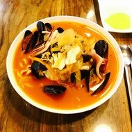 Spicy Seafood, noodles with Mussels