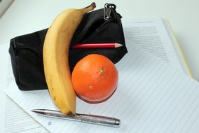 tangerine and banana as a healthy snack
