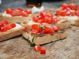 bruschetta with chopped tomato