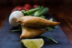 indisk samosa the middle east dish