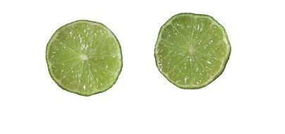 Green sour lime slices
