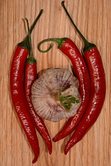 garlic and red chilli pepper