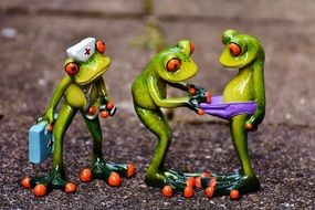 funny figures of frogs