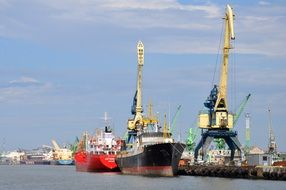 Picture of Port Ships
