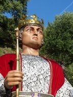 Giants King statue