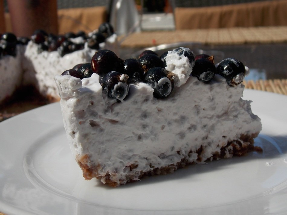 sweet cake with black currants
