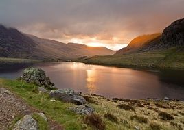 panoramic view of Llin Idwal Lake in the mountains