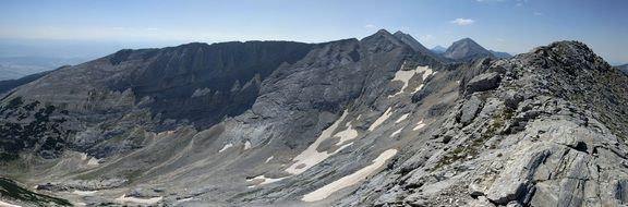photo of the gray Alps peaks