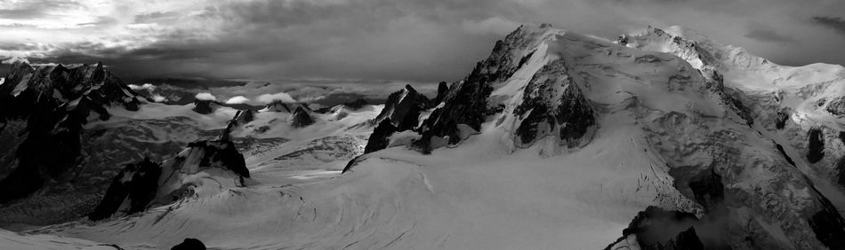 Alps, Panoramic view of snowy summits, black and white