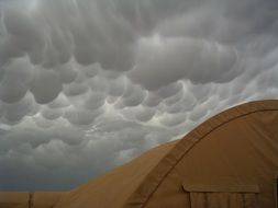 mammatus clouds as a storm warning