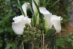 Wedding bouquet with white Callas and Roses