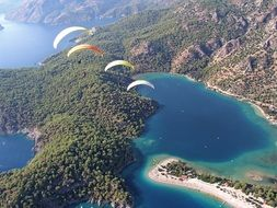 paragliding sport above the sea
