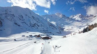 Alpine Mountains skiing resort