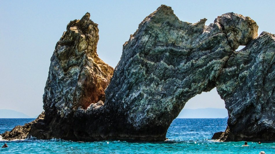 natural arch on the lalaria beach