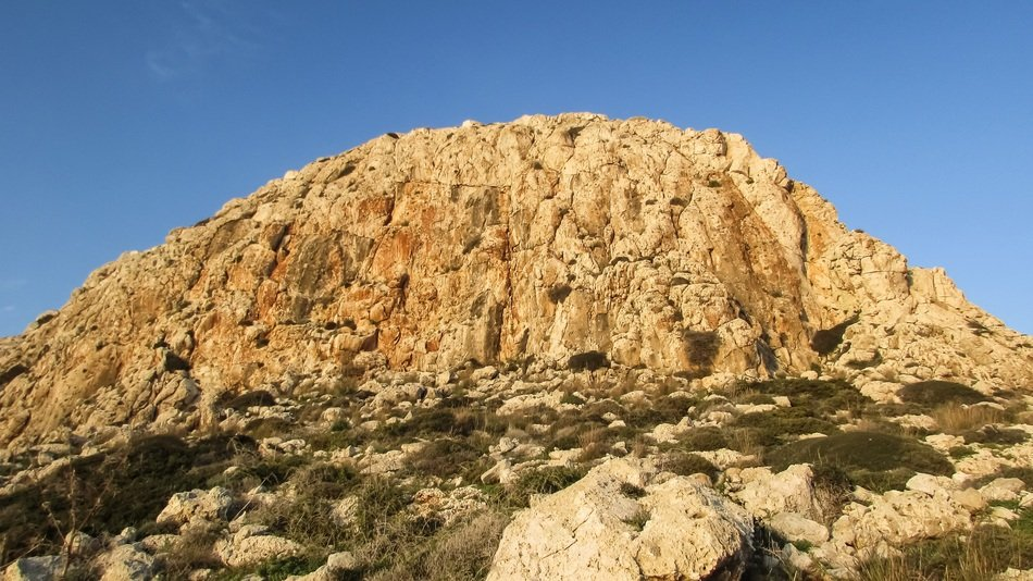 rock in the national park cape greco