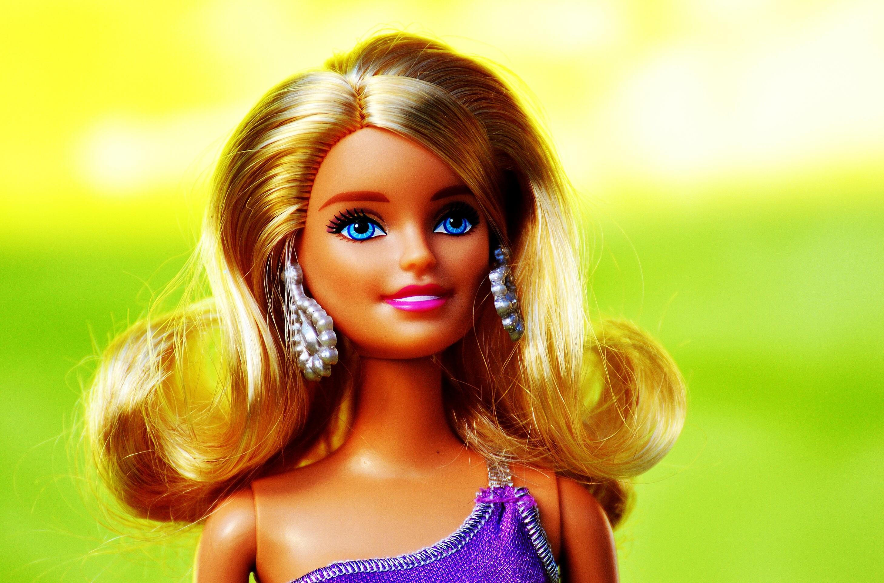 Как сделать красивее куклу барби