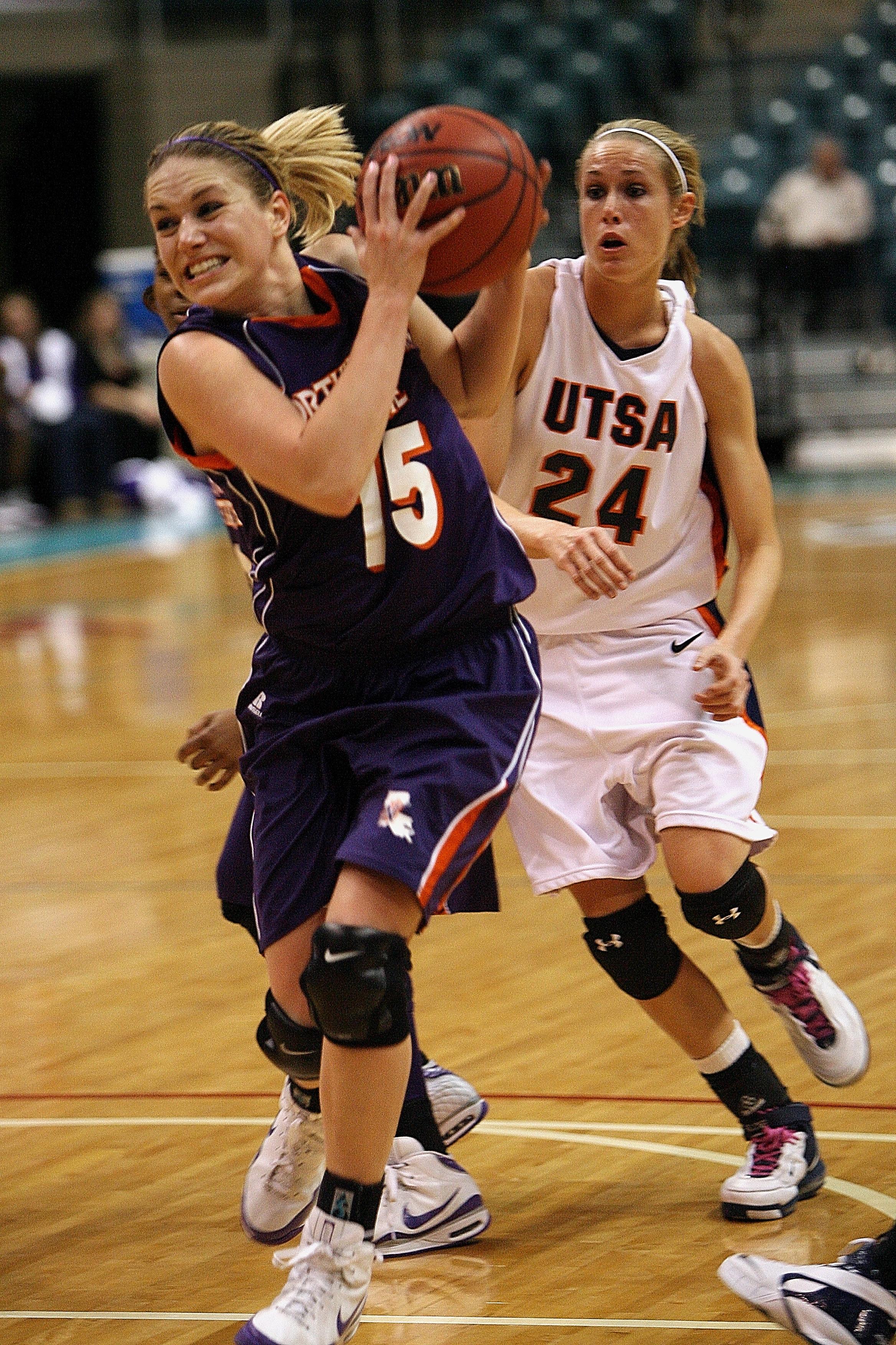 omens basketball girl - HD1200×1800