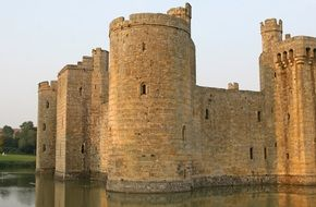 medieval fortifying fortress in england