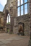ruins of holyroodhouse