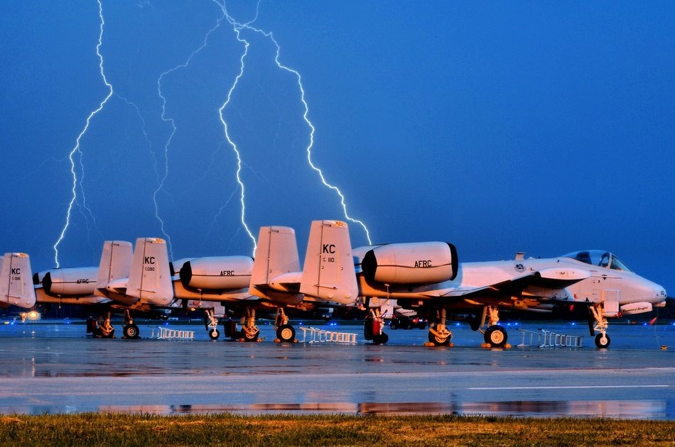 Fighter jets and lighting