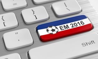 picture of the Football Em 2016 sign on a keyboard