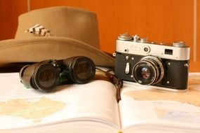 Picture of vintage camera and hat