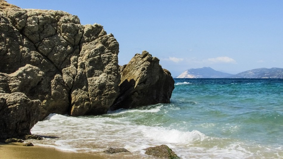 beach cliffs in skiathos