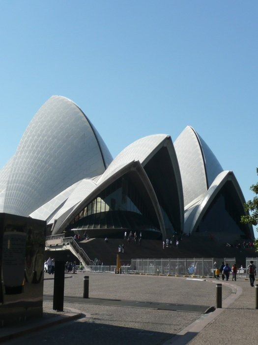 building of opera in Sydney