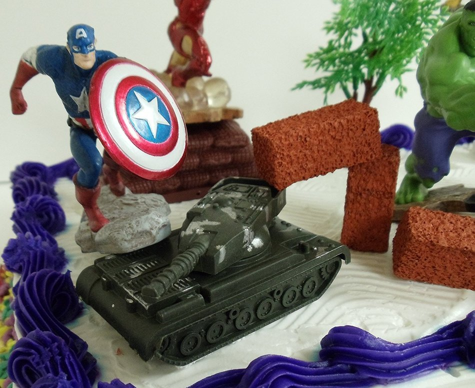 AVENGERS 15 PIECE BIRTHDAY CAKE TOPPER SET FEATURING CAPTAIN AMERICA IRON MAN INCREDIBLE HULK HAWKEYE THOR N2