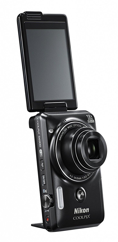 лучший фотоаппарат с поворотным дисплеем кончил внутрь