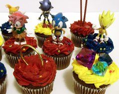 Classic SONIC THE HEDGEHOG Birthday CUPCAKE Topper Set Featuring Super Sonic, Amy Rose, Miles Tails Prower, Sonic... N6