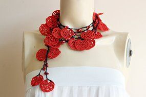 Rose Necklace-Rose Crochet Necklace-Crochet Beaded Necklace-Turkish Oya necklace-Red and Black Necklace with Coral... N2