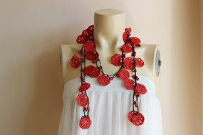 Rose Necklace-Rose Crochet Necklace-Crochet Beaded Necklace-Turkish Oya necklace-Red and Black Necklace with Coral... N3