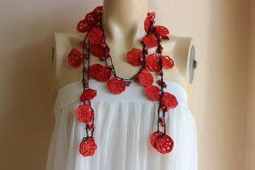 Rose Necklace-Rose Crochet Necklace-Crochet Beaded Necklace-Turkish Oya necklace-Red and Black Necklace with Coral... N6