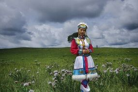 prairie meadow grass inner mongolia traditional clothing