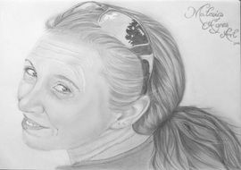 woman with sunglasses pencil drawing