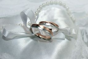 wedding white rose ring marriage gold ribbon pearl