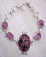 Pink bracelet made of quartz