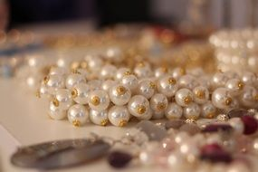 pearl necklace with gold