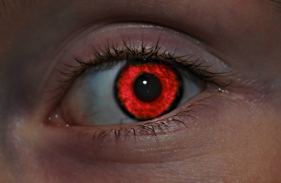 red eye close up
