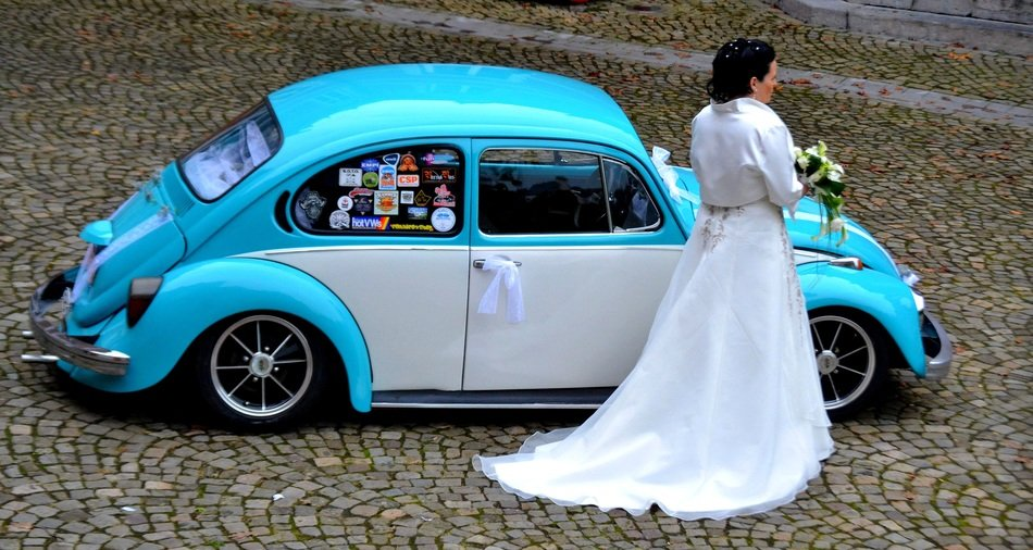 bride wedding dress retro car