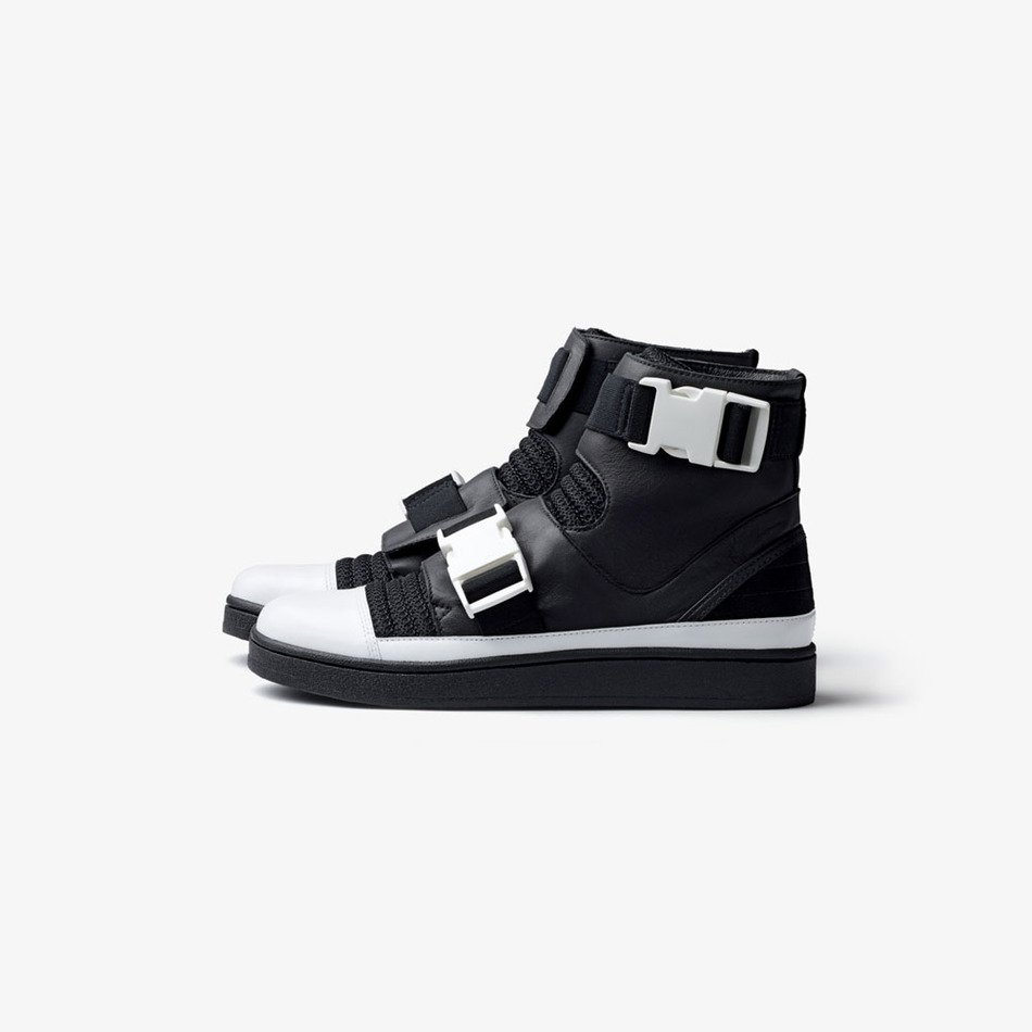 men's sneakers with metal buckles