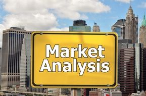 traffic sign note of market analysis