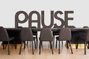 pause in the meeting room