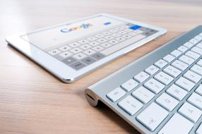 Ipad Google and keyboard