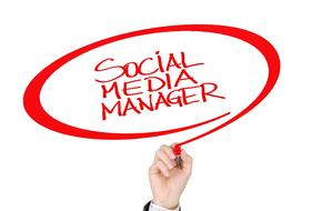 social media manager, hand writing words