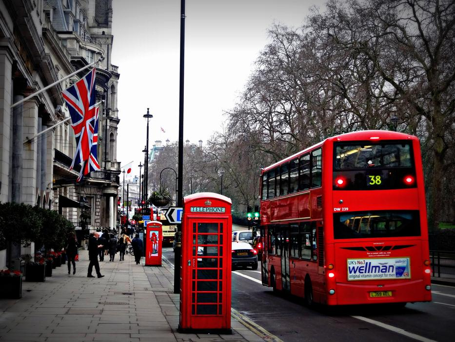 London Street and red bus