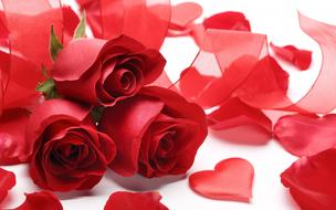 bouquet of roses, red hearts and red ribbon